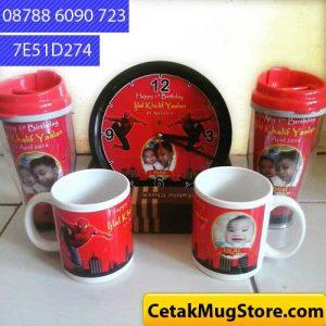 jam-tumbler-mug-souvenir-ultah-spiderman